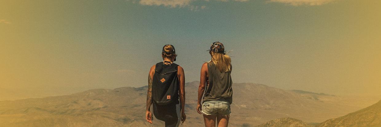 2 Frauen auf Berg